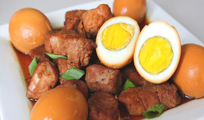 How to make stewed meat with eggs